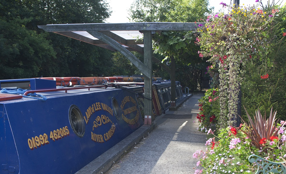 Broxbournet boats and Lee valley boat hire