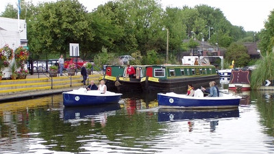 Kingsway bed and breakfast Broxbourne - Lee Valley Boat Centre